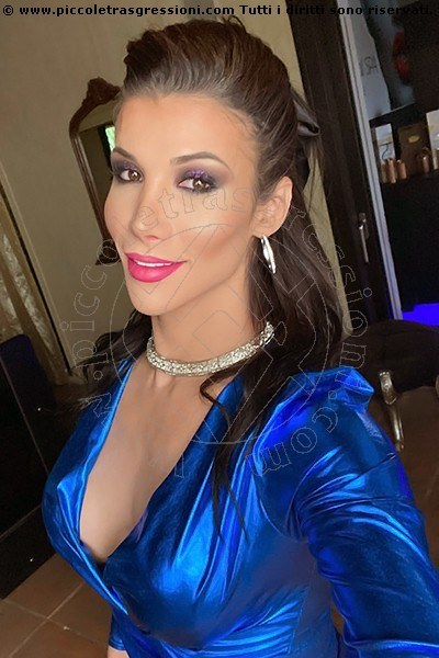 Foto selfie di Victoria Carvalho Pornostar transescort Lione